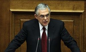 Le Premier ministre Lucas Papademos devant le Parlement